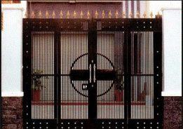 Làm cửa sắt uy tín – lắp đặt cửa sắt chuyên nghiệp- giá rẻ