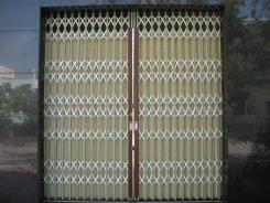 Thợ chuyên sơn cửa sắt uy tín – hiệu quả – lắp đặt cửa sắt giá rẻ tại tphcm