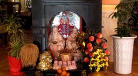 """""""Nguyên tắc vàng"""" khi chọn hướng đặt bàn thờ thần tài theo phong thủy cho nhà ở"""