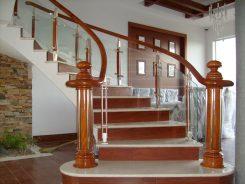 Báo giá thi công làm cầu thang gỗ