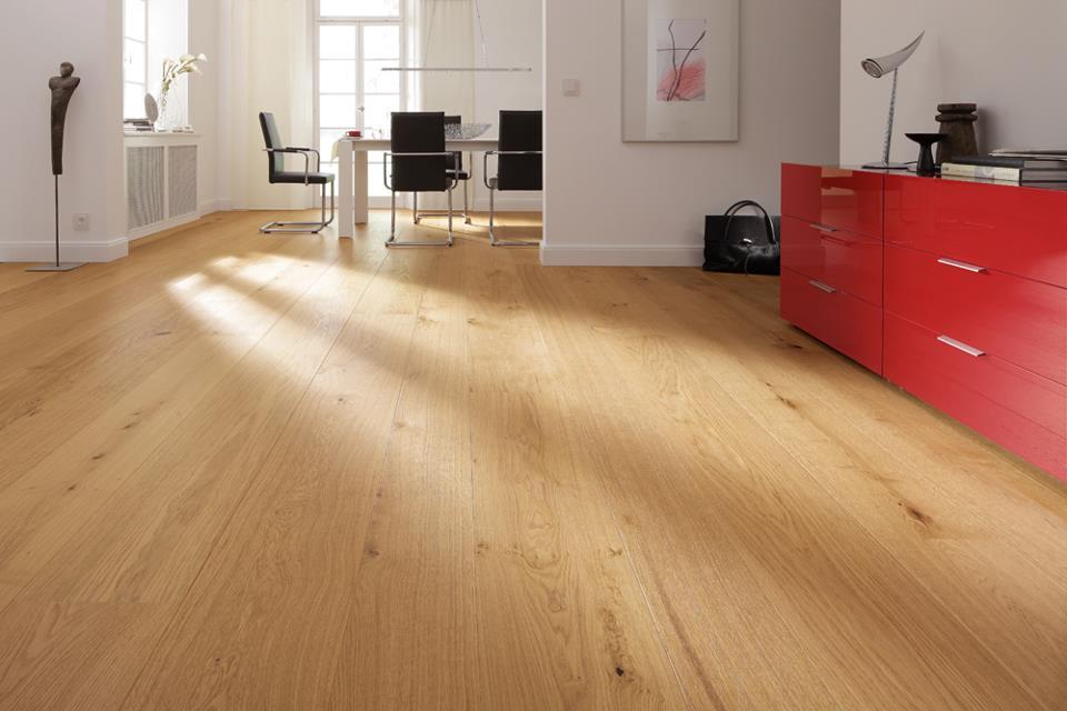 Báo giá thi công làm sàn gỗ công nghiệp giá rẻ
