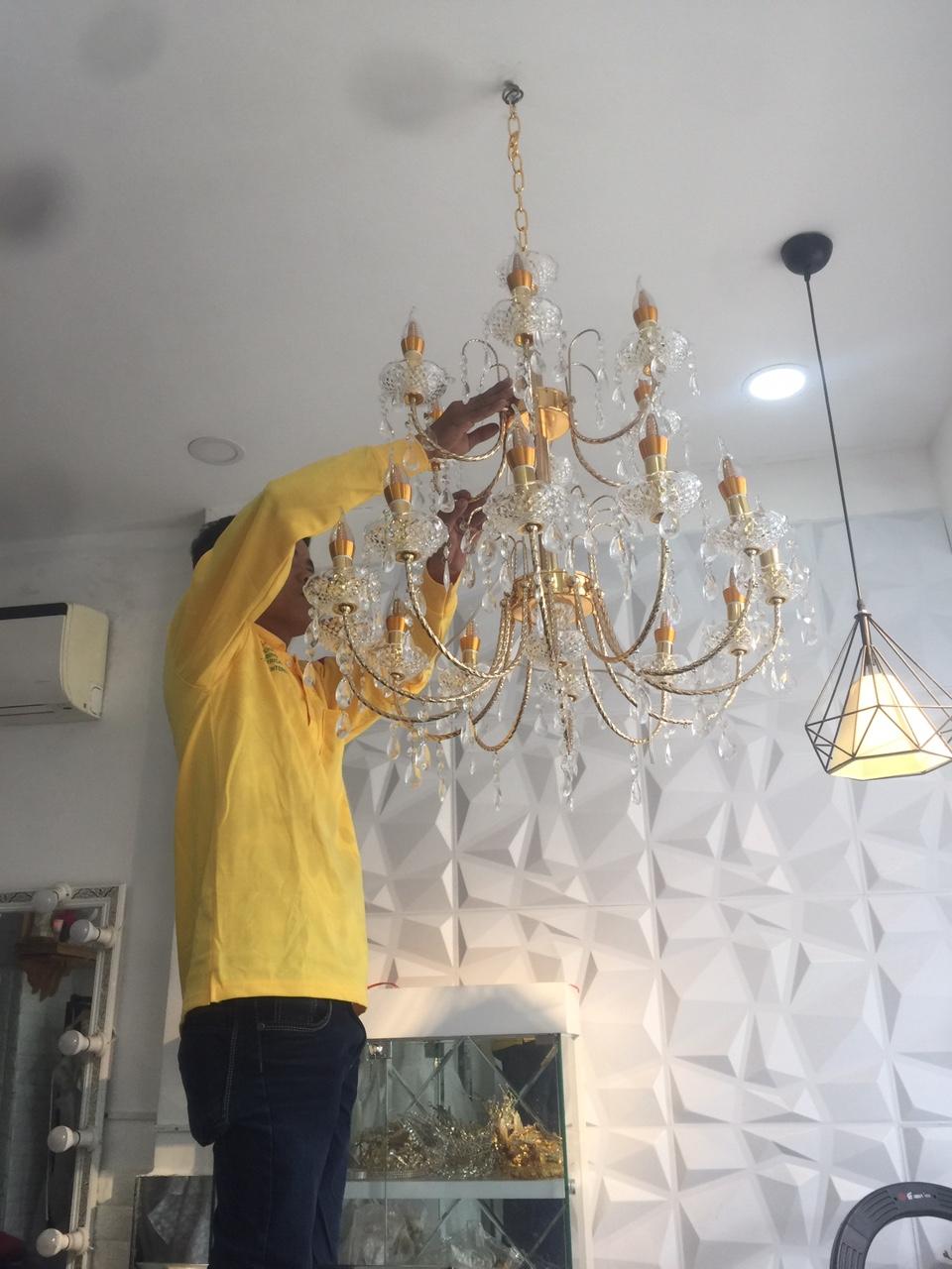 Thợ chuyên lắp đèn led, đèn trang trí, đèn chùm