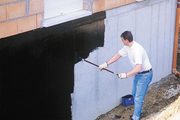 Kinh nghiệm lăn sơn chống thấm tường đạt hiệu quả cao